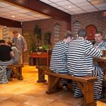 Gevangenis themafeest bedrijfsuitje Groningen